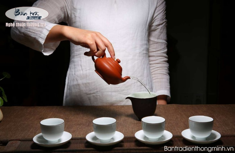 Hướng dẫn các bước pha ấm trà ngon đúng chuẩn